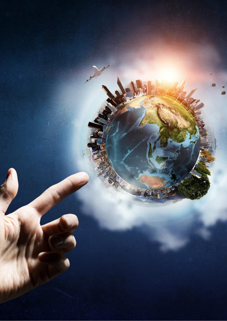 地球を指さす画像