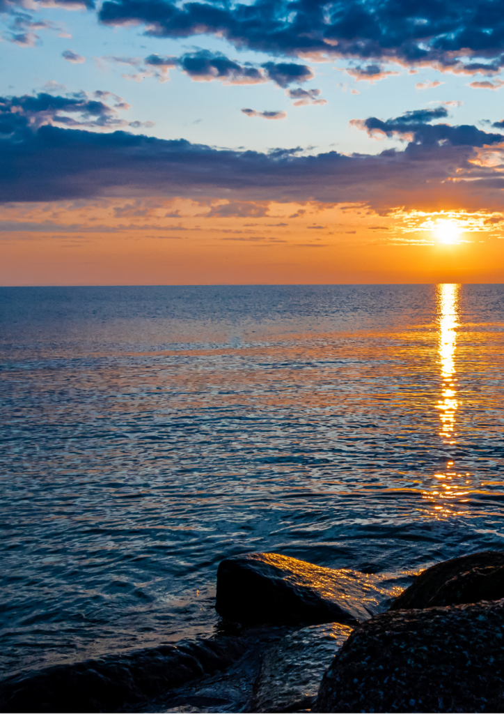 海と朝日の画像